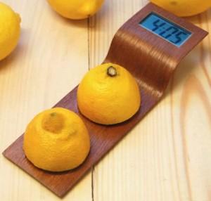 Citrus-Powered Eco-Friendly Clock