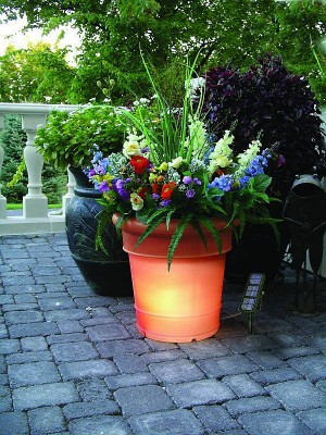 GardenGlo - Solar Powered Lighted Planter