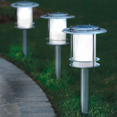 Solar Powered Walkway Light